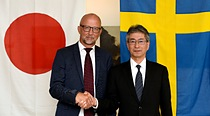 From left to right: Mr. Martin Sjöstrand, CEO of Powerbox ; Mr. Masato Tanikawa, Cosel President and CEO