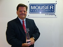 Mark Burr-Lonnon, Mouser Vice President Asia, accepts the award for China's Most Preferred Catalog Distributor 2010